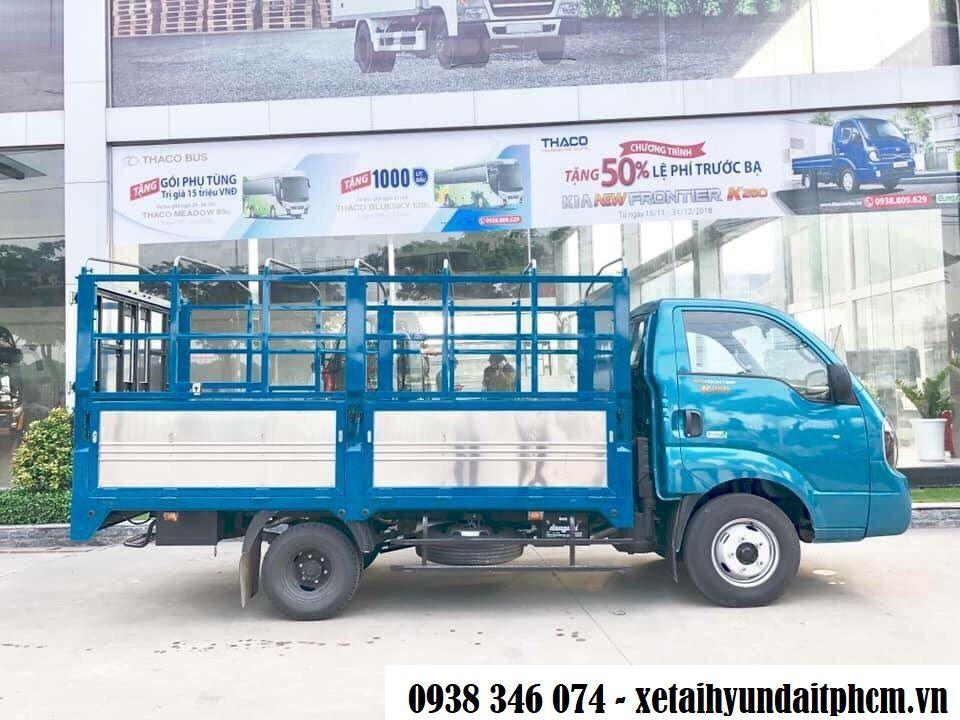 xe tải kia k250 thùng bạt